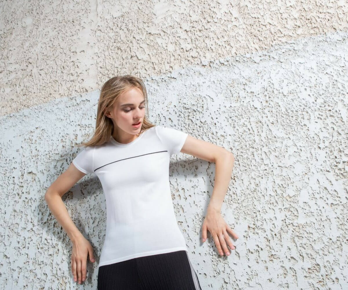 Elastic T shirt with Line